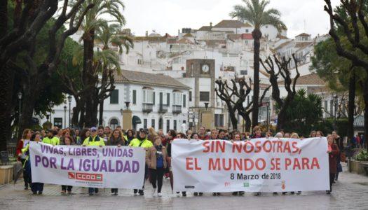 Cerca de 500 personas participan en la concentración por el Día de la Mujer
