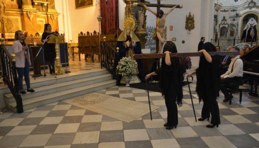 Mercedes Caravaca interpreta un emocionante Pregón Oficial de la Semana Santa