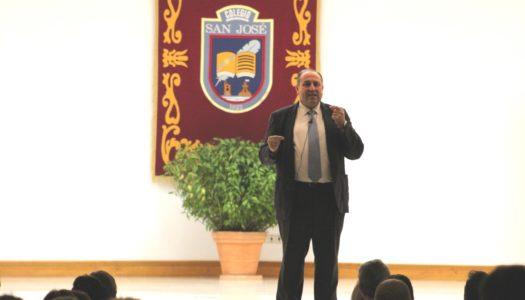 Fernando Alberca aborda la autoestima infantil en el Colegio San José