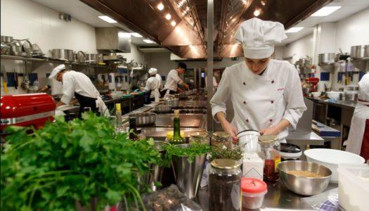 Un sanroqueño, aspirante a la final del Premio Promesas de la alta cocina