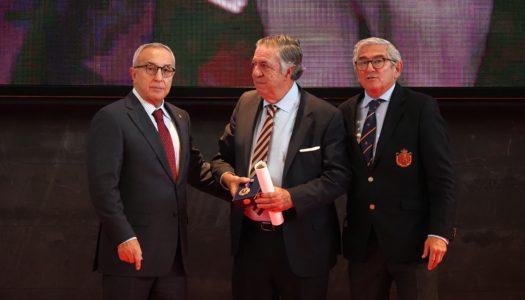 Pedro Morán recibe Medalla de Oro al Mérito de la RFEG