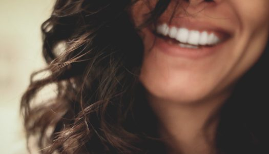 Luce una sonrisa perfecta con Smile & More Clinic en Sotogrande