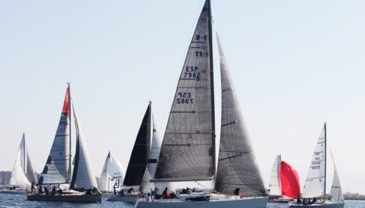 Máxima emoción en aguas del Estrecho con el X Campeonato Interclubes