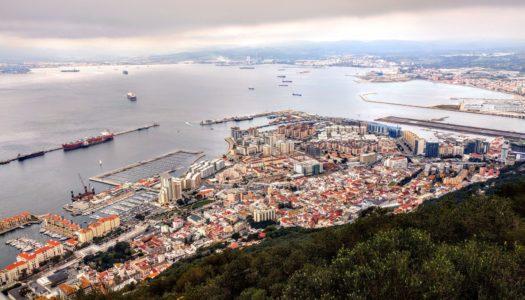 Gibraltar activa este martes el protocolo de confinamiento social total