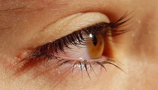 Cuidados especiales en el uso de gafas y lentes de contacto para evitar contagios