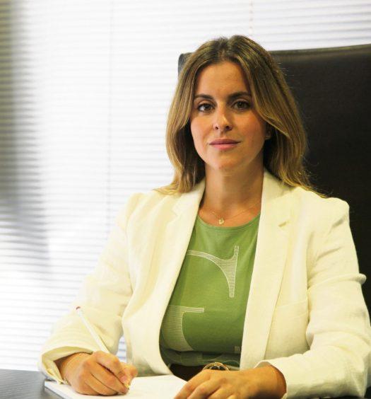 Ana María Carracao, Hassans.