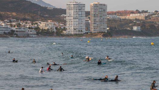 Tarde de surf en Torreguadiaro