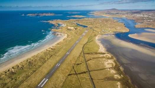 El aeropuerto con el aterrizaje más espectacular del mundo está en Irlanda