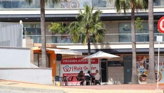 Ruiz Galán aterriza en Alcaidesa con un nuevo supermercado