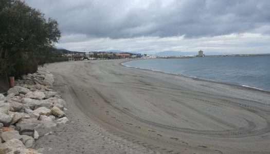 Las playas de Sotogrande, a punto antes del inicio de la temporada