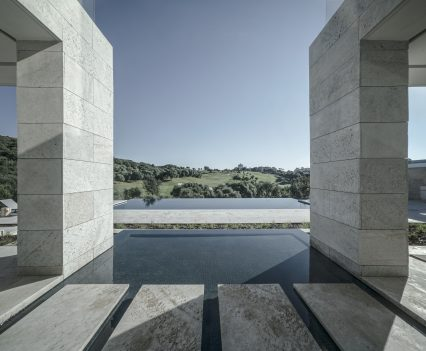 ARK, Villa La Escondida