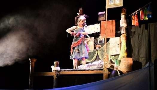 La compañía de magia Rous asombra al público en el escenario de Juan Luis Galiardo