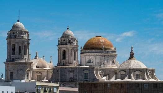 """Cádiz, una ciudad de ensueño llamada """"la tacita de plata"""""""