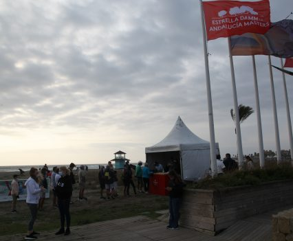 Limpieza playa, Estrella Damm